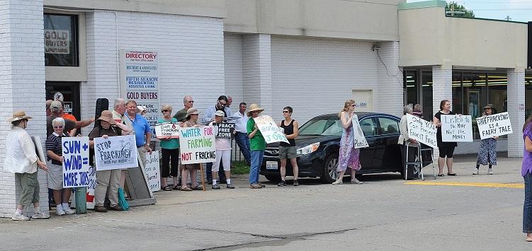 illinois-fracking-rally-june-16-2014